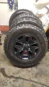5x BF Goodrich KM Mud Terrain LT255/75R17 tires and Willy's rims