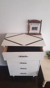 Lovely Chalkpainted Dresser