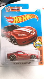 HOT WHEELS TREASURE HUNT '11 CORVETTE GRAND SPORT DIECAST MINT