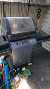 BBQ...HARDLY USED!!! EXCELLENT CONDITION!!!