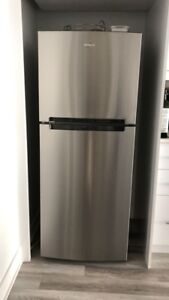 whirlpool Refrigerateur grey stainless Refrigerator