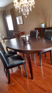 Scandanavian Dining table and 4 chairs extra leaf