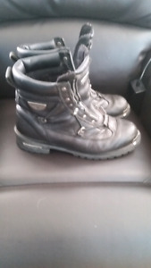 Milwaukee boots for sale size 11 UK 12 us