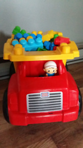 3 Amusants et éducatifs chariot et camion avec Méga Blocs.