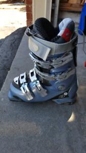 Women ski boots Atomic