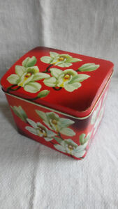 Vintage Gray Dunn (Scotland) Biscuit Tin