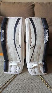 28+1 REEBOK p4 14K Junior goalie pads (Black + White)