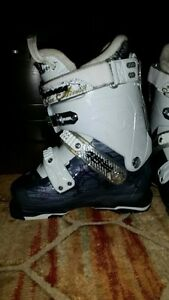 Ladies downhill ski boots