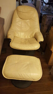 Moving‼️Leather comfortable chair...