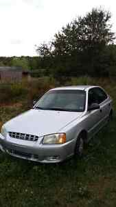 2004 Hyundai Accent low kms 800 obo
