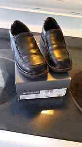 Newberry boys dress shoes 12