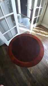 Round End Table or Accent Table Windsor Region Ontario image 3