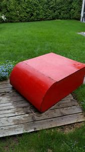 Boîte pour camion ou toit d'auto ou de roulotte