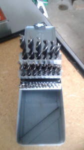 1 set of  drill bit  for wood