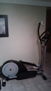 Machine d'exercice Elliptical Cross Trainer - Infiniti