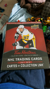Tim Horton's Hockey Cards with Binder - 2017/18