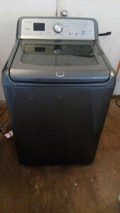 6 months old Maytag Bravo's XL he washer