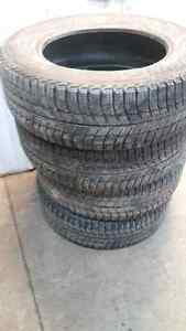 Michelin X ice 215/65r16