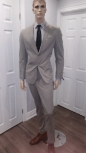 NWT - Men's Authentic DKNY Light Brown Suit