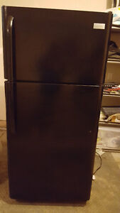 18 cu. ft top freezer refrigerator