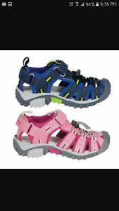 Looking for toddler girl size 9 sandals