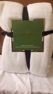 KATE SPADE QUEEN SIZE IVORY BLANKET MINT CONDITION