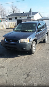 2004 Ford Escape Familiale