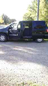 2006 dodge caravan $3000.00 ready for e test and safety
