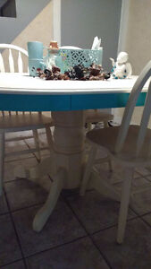 Super Cute Re-finished Table and Chair Set Windsor Region Ontario image 2
