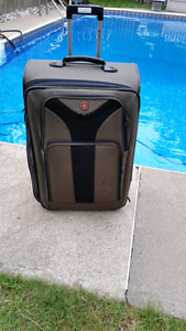 WENGER SWISS GEAR TRAVEL LUGGAGE SUIT CASE BAG VALISE ROULETTES