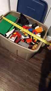 BIG BUCKET OF LEGO Belleville Belleville Area image 3