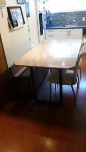 Marbre, dessus de table travertin