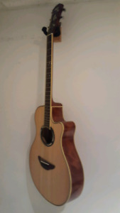 Yamaha APX500III Thinline Cutaway Acoustic-Electric