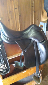 Dressage Saddle 18W