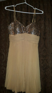 Gold Sequence Dress MEDIUM Size but fits like a size 5/6