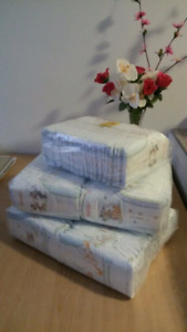Huggies diapers/ Couche size/taille 3