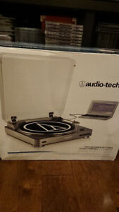 Audio-Technica AT-LP60-USB Fully Automatic Turntable