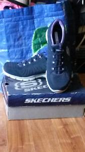 Women's shoes size 10 Skechers