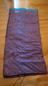Sac de couchage (sleeping bag) de marque Coleman pour jeune