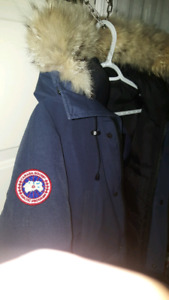 700 for 2 AUTHETIC CANADa GOOSE JACKET