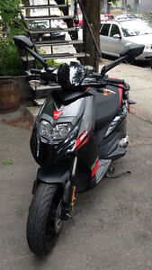 Scooter APRILIA (Motard SR 50) 2014