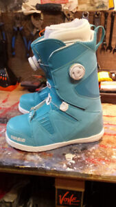 Ladies Snowboards Boots Size 9