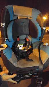 Chaise haute et siège auto