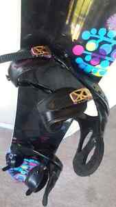 Burton Feather  rocker snowboard 144 bindings and boots Peterborough Peterborough Area image 2