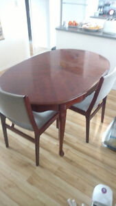 Kitchen table with 3 chairs and leaf