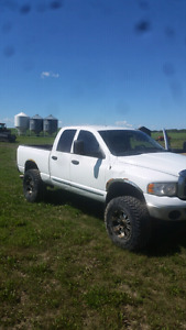 2005 ram 2500 Cummins TRADE FOR SOMETHING COOL