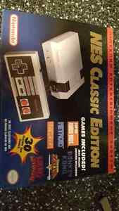 NES Classic Edition - New in Box London Ontario image 2