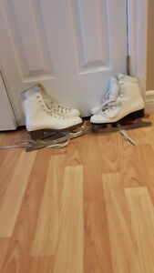 Pairs of girls skates size 3 (size 4 no longer available)