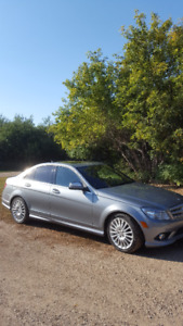 REDUCED  2009 Mercedes-Benz C-Class 3.0L Sedan