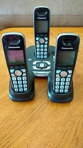 Set of 3 Panasonic Home Phones and Built-In Answering Machine